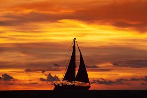 paseo-velero-atardecer